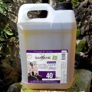 Savon d'Alep liquide à 40% d'huile de baie de laurier - Bidon de 5 litres. Sans colorant, sans parfum. Pour tous types de peau. 79,6€.