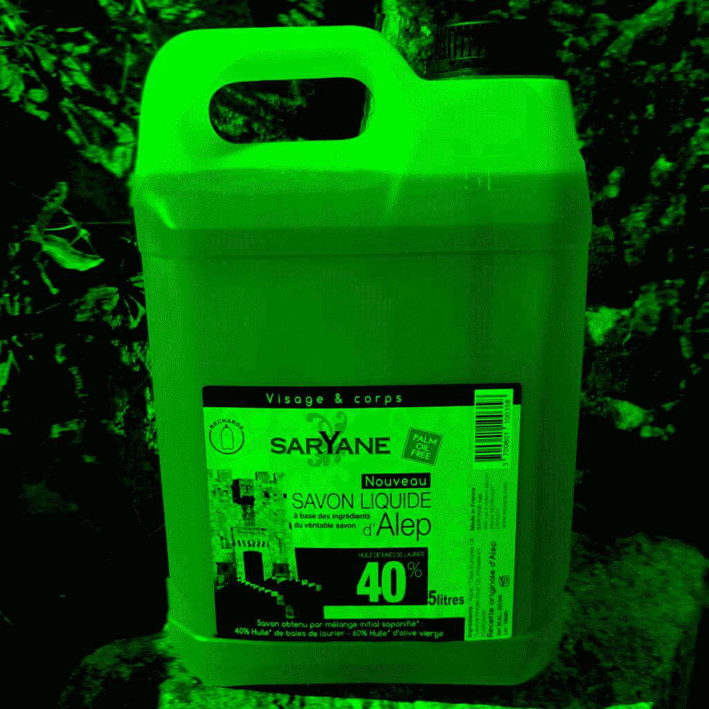 Savon d' Alep liquide à 40% d'huile de baie de laurier - Bidon de 5 litres. Sans colorant, sans parfum. Pour tous types de peau. 79,6€.
